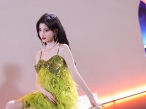 鞠婧祎 绿色裙子 4k美女壁纸